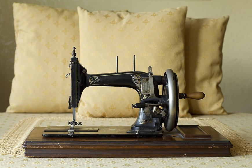 sewing_machine-1.jpg