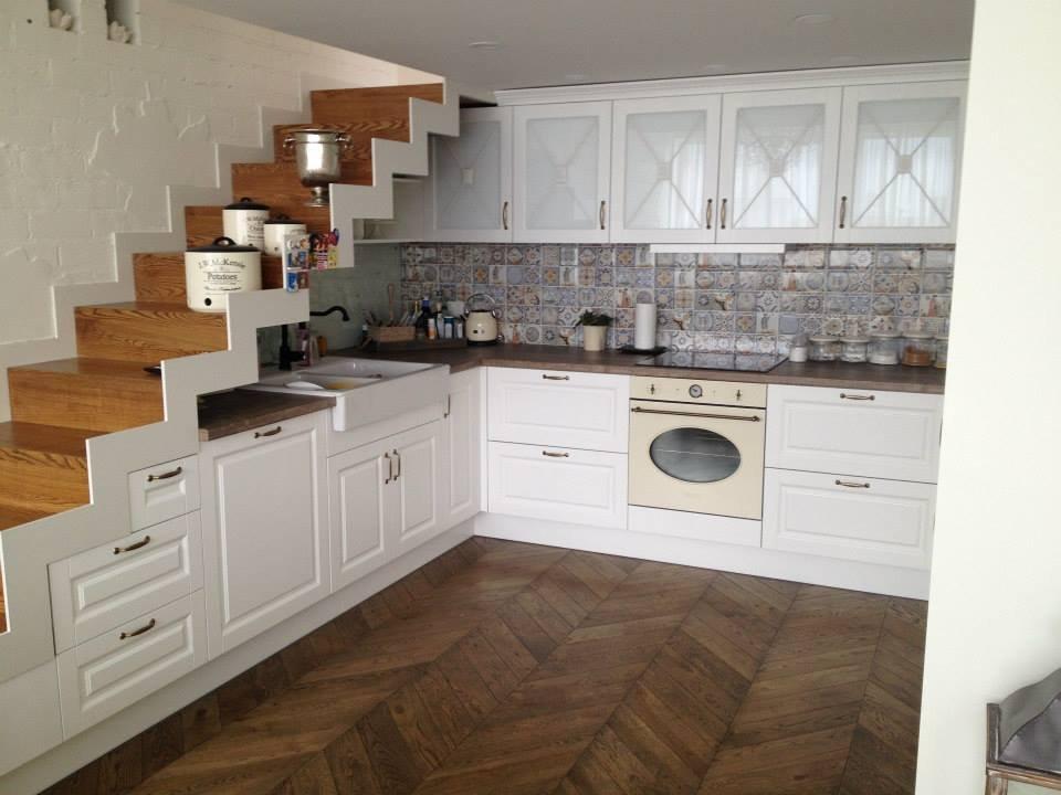 Kondro baldai  kompaktiska retro virtuve.jpg