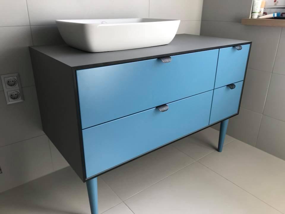 Kondro vonios kambario baldai.jpg