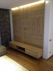 Kondrado baldai, TV baldas su sienele.jpg