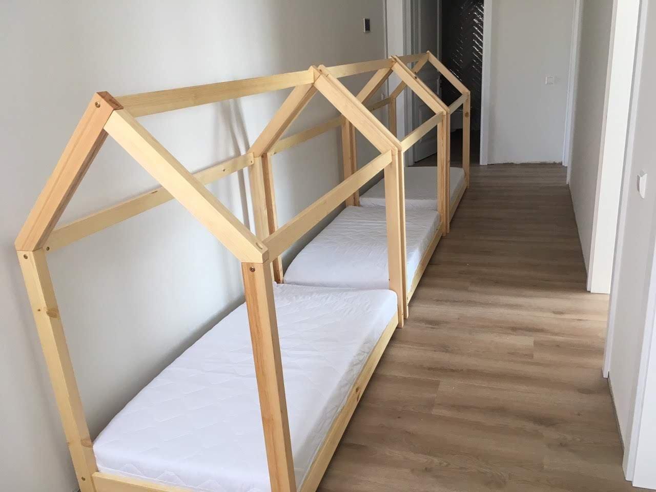 Lovos-nameliai-pušies-mediena.jpg