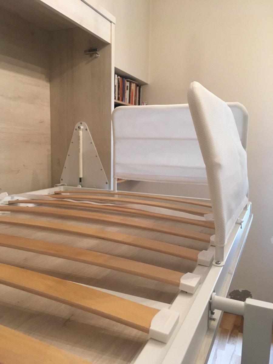 Dviaukštė-lova spintoje (5).jpg