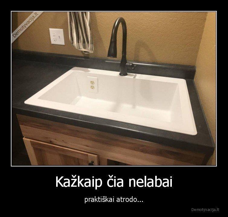 demotyvacija.lt_Kazkaip-cia-nelabai-praktiskai-atrodo_154891731335.jpg