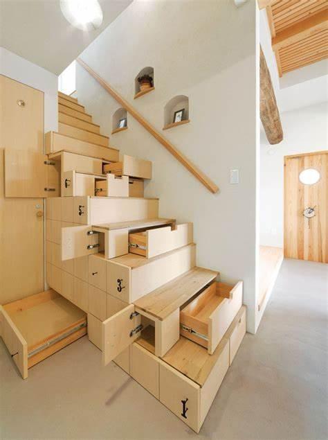 stalciai po laiptais.jpg