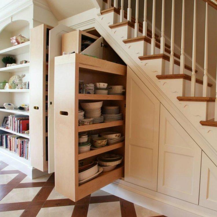 virtuve po laiptais.jpg