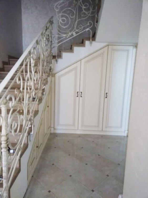 erdvė po laiptais.jpg