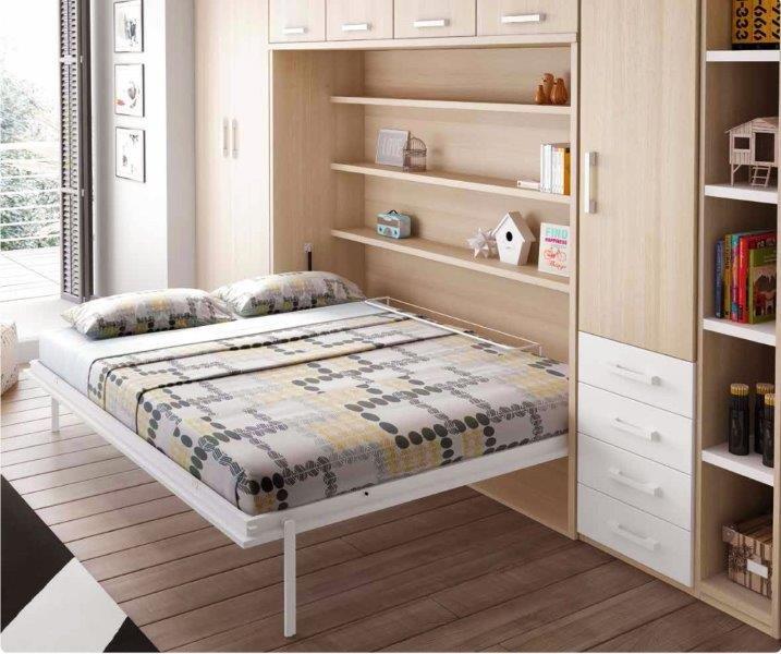 F365-miegamojo-baldai-atlenkiamos-lovos-spintoje.jpg
