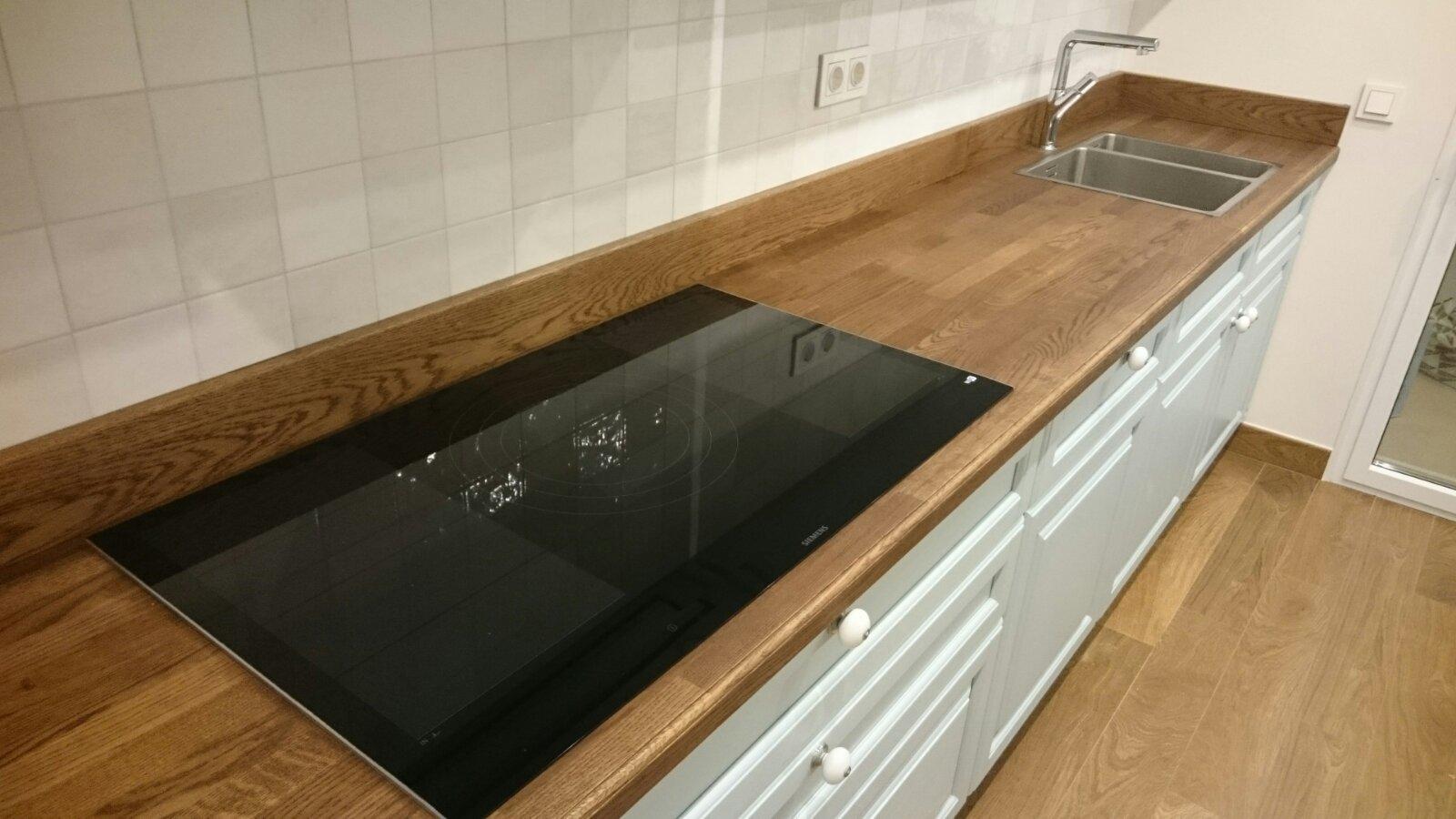 azuolinis virtuves stalvirsis.jpg